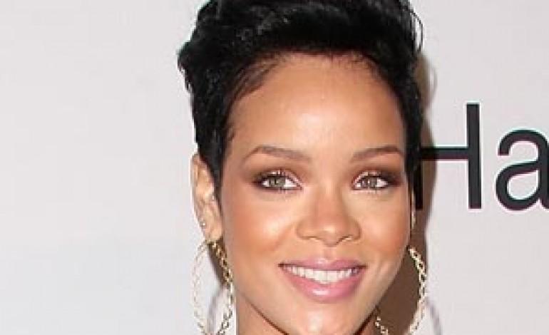 Il volto di Rihanna per Emporio Armani Undewear e Armani Jeans