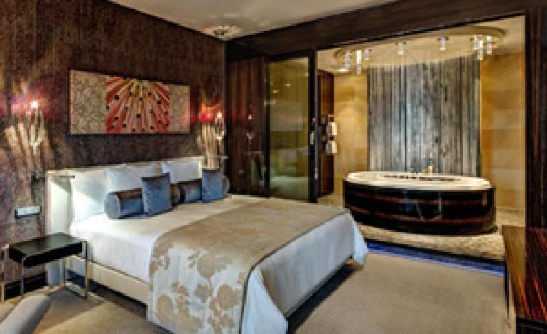 """Hotel di lusso """"riservati"""" ad americani e cinesi"""