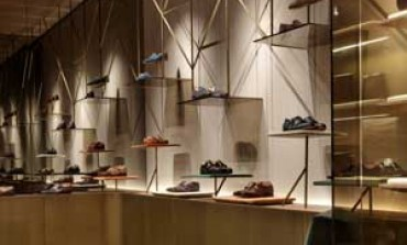 Patricia Urquiola firma lo store Santoni a Milano