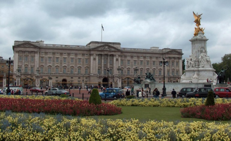 Sfilata a Buckingham Palace per la Regina