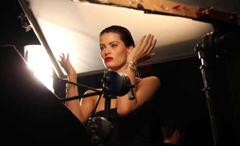 Stroili on air con la top Isabeli Fontana