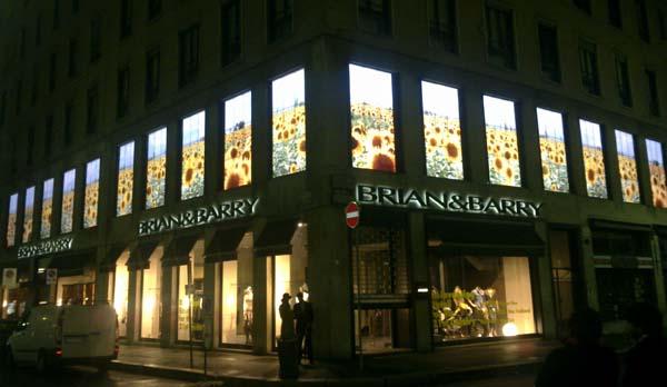 L'esterno dello store Brian&Barry
