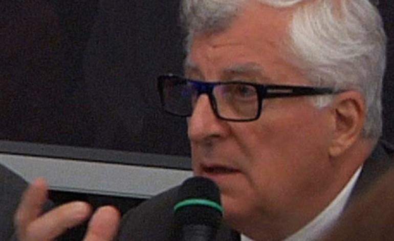 L'appello di Bertelli: silenzio da D&G, attesa per Armani