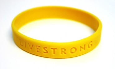 Nike taglia anche la fondazione (sul cancro) di Armstrong