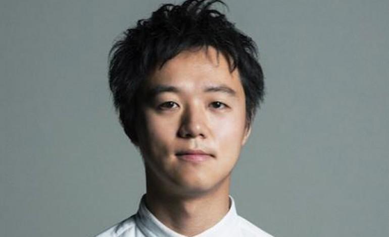 Yusuke Takahashi firma l'uomo di Issey Miyake