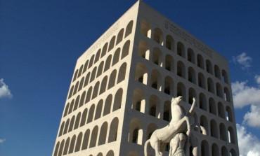 """Arnault sceglie il """"colosseo quadrato"""" per Fendi"""