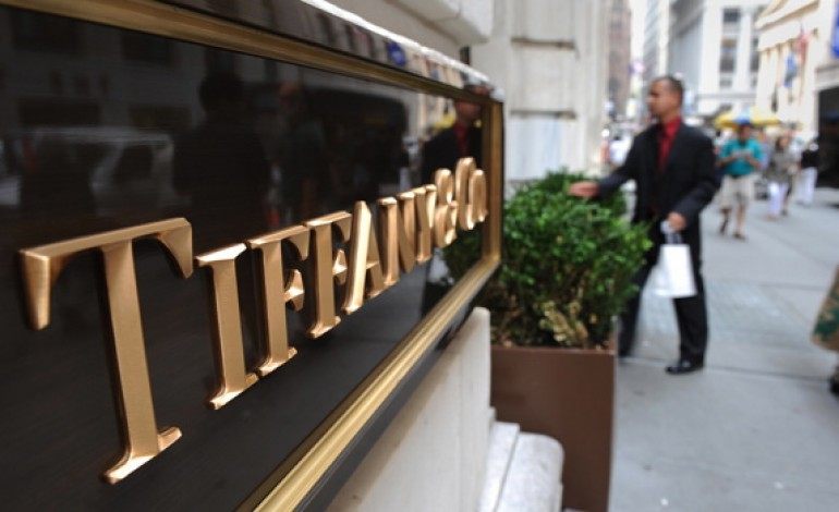 Tiffany, il superdollaro pesa su utili e outlook