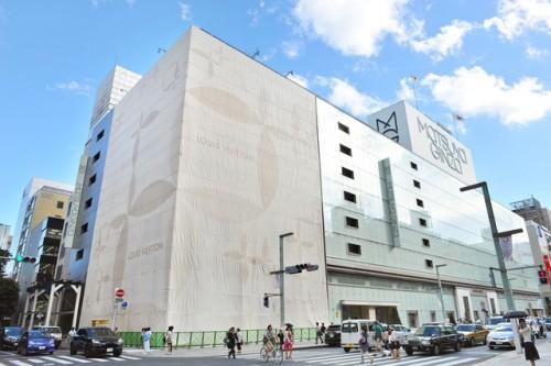 Il flagship di Louis Vuitton a Ginza. Ph: Yukie Miyazaki