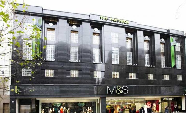 Marks & Spencer vende gli store di Hong Kong