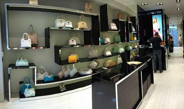 L'interno dello store Cromia a Roma