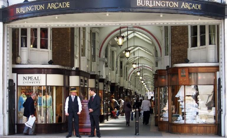 Per Chanel cinque negozi in Burlington Arcade