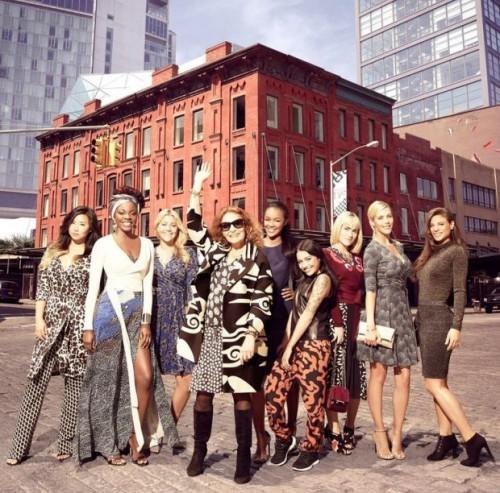 """Diane Von Furstenberg con le concorrenti di """"House of DVF"""""""