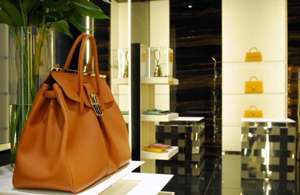 Un'immagine della boutique Gianfranco Lotti a Firenze