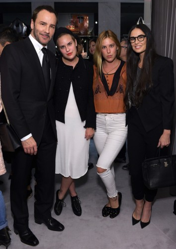 Tom Ford con Tallulah Willis, Scout Willis, Demi Moore