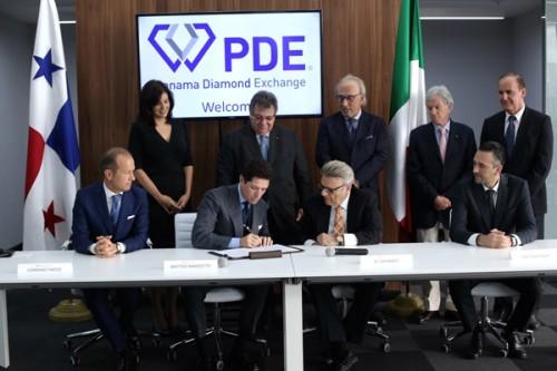 Firma accordo Fiera di Vicenza e Panama Diamond Exchange