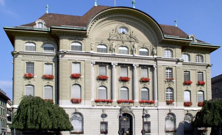 Svizzera elimina plafond franco/euro. Swatch a -15% in Borsa