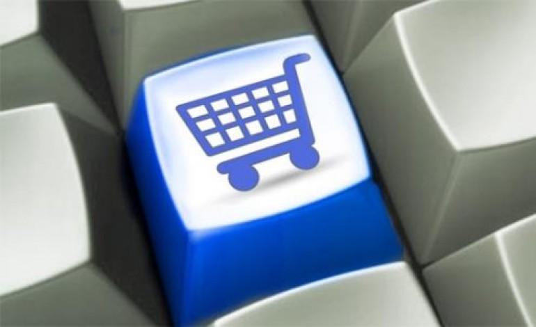 Wallpaper debutta nell'e-commerce