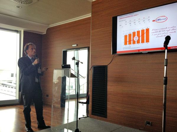 David Pambianco durante un momento della presentazione della ricerca
