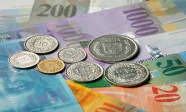 Col super franco è corsa allo shopping degli svizzeri