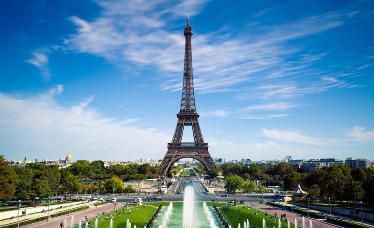 Paris fashion week perde un giorno
