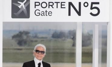 Lagerfeld presenta l'aeroporto Chanel