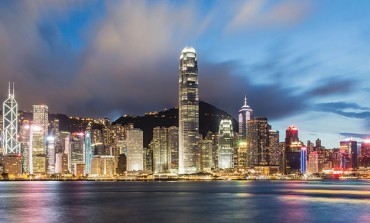 Hong Kong, l'annuncio della 'pace' spinge il lusso in Borsa