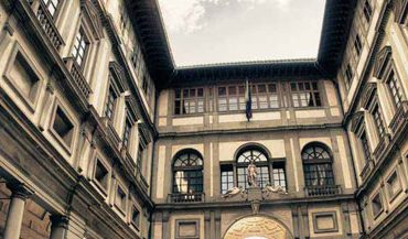 Uffizi, stop alle sfilate nel museo