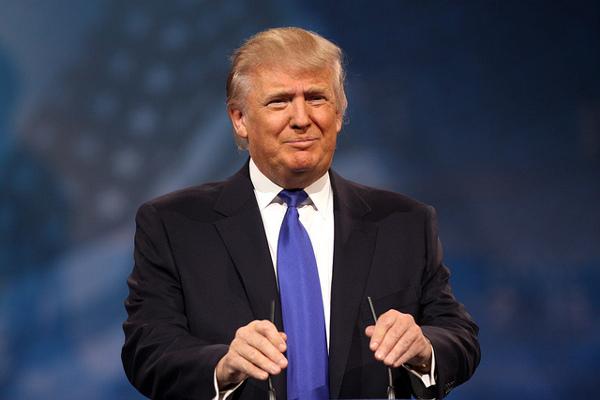 Trump inaugura il 'Ranch' di Louis Vuitton in Texas