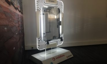 Vodafone entra nelle valigie Samsonite