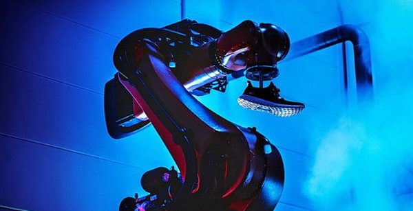 Adidas chiude fabbriche robot in Germania e Usa