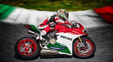 L'indiana Bajaj annuncia alleanza. Deal con Ducati?