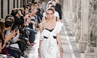 Quelli che si agganciano alla couture di Parigi