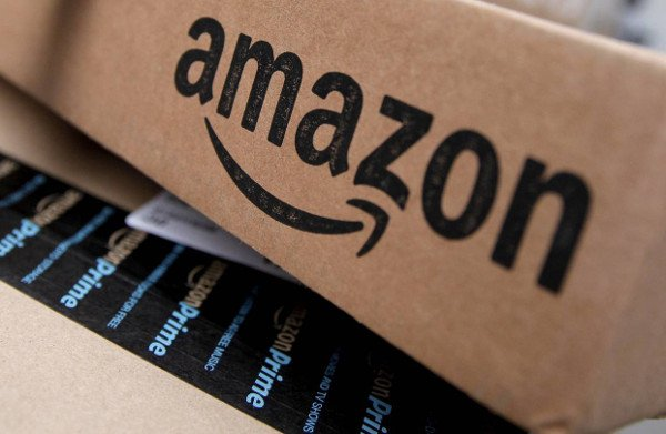 Amazon, a Londra il pop up del Black Friday