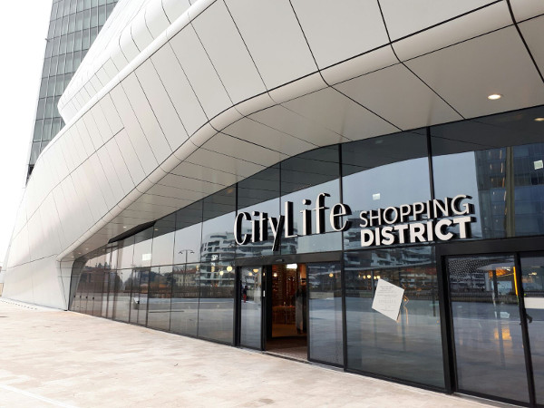 CityLife Shopping District apre i battenti
