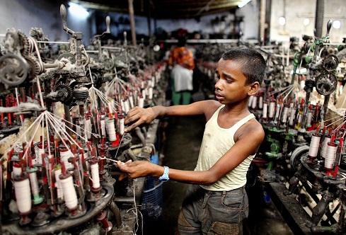 Norges spinge il fashion contro il lavoro minorile