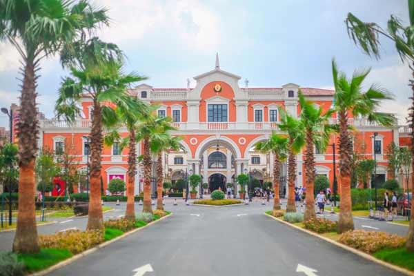 Florentia Village verso 1 miliardo di ricavi in Cina
