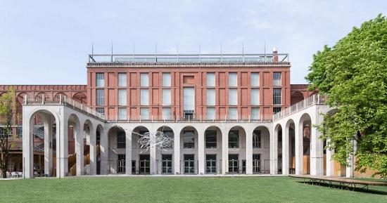 Cartier rinvia mostra alla Triennale di Milano