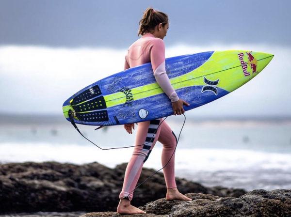 Nike vende il surfwear di Hurley a Bluestar Alliance