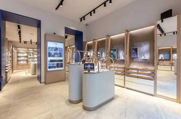 Swarovski, a Milano debutta il concept Crystal Studio