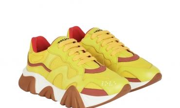 Versace addenta la tendenza sneakers