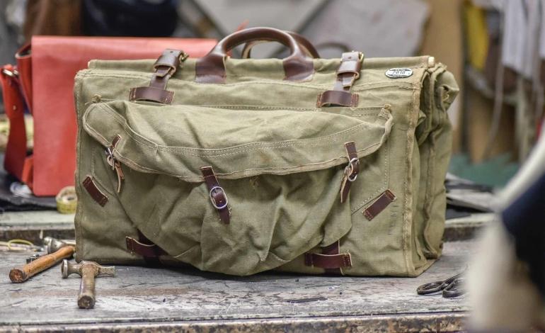 2010 Limited Edition rispolvera le vere military bag