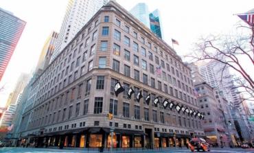 Saks Fifth Avenue, online e offline si separano