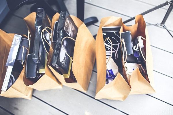 Consumi, nel I° semestre taglio di 1.879 € a famiglia