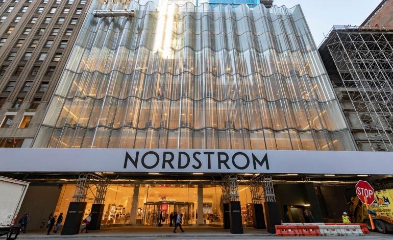 Nordstrom, stop a pellicce e pelli esotiche