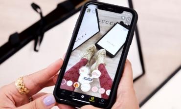 Gucci, scarpe provate con la realtà aumentata