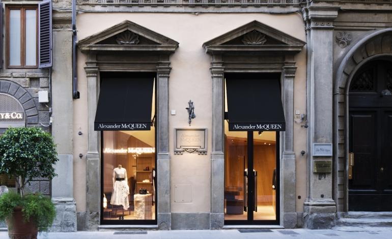 Alexander McQueen apre a Firenze
