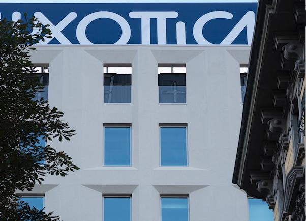 Versace adotta il sistema anti-Covid di Luxottica