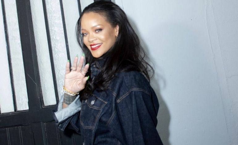 "Niente hit per Rihanna. Lvmh ammette: Fenty è ancora ""work in progress"""