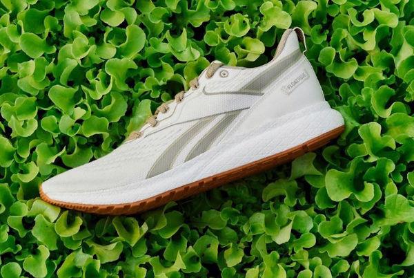 Adidas, ufficiale l'addio a Reebok