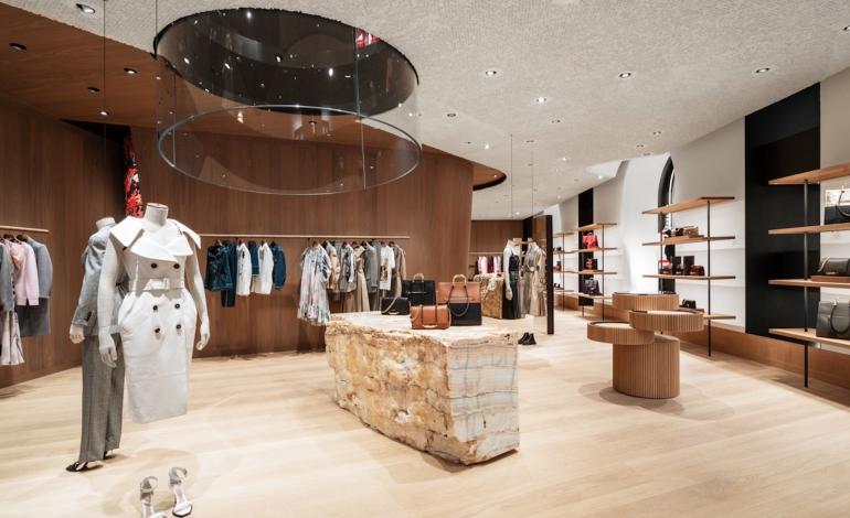 Alexander McQueen investe nel retail milanese